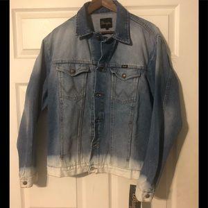 Wrangler denim jean jacket. Acid washed. Large.